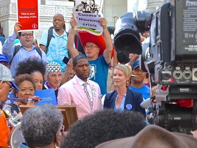 cynthia nixon campaigning with jumaane williams in nyc nys 2018